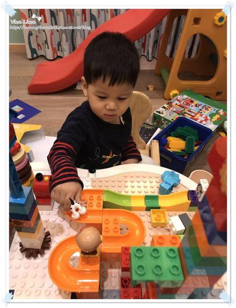 lego table23.jpg