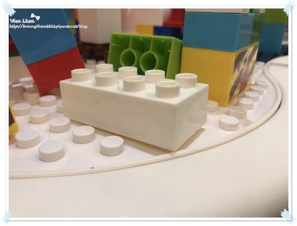 lego table25.jpg
